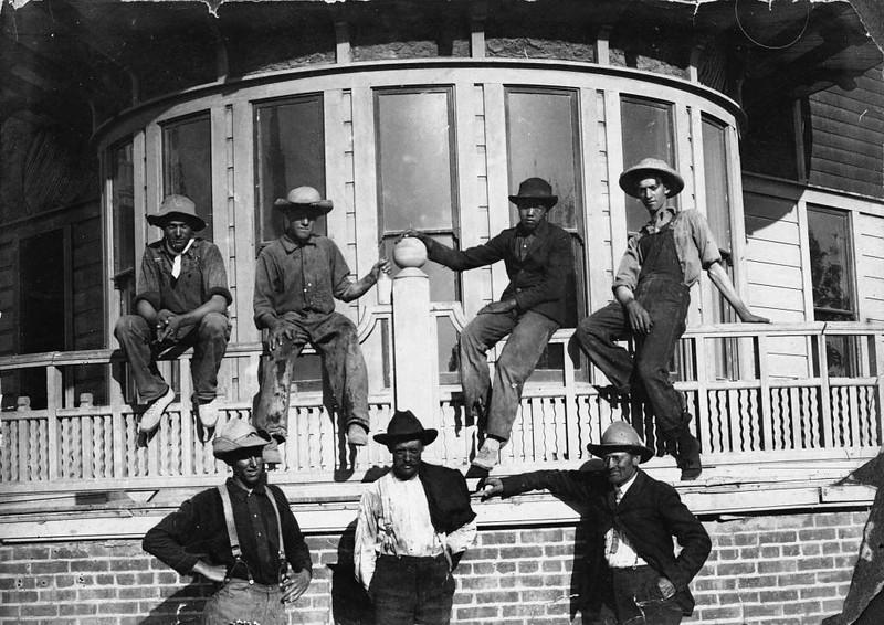 group-DelCampoHotel-1905.jpg