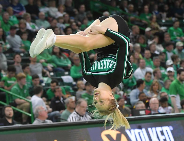 cheerleaders1905.jpg