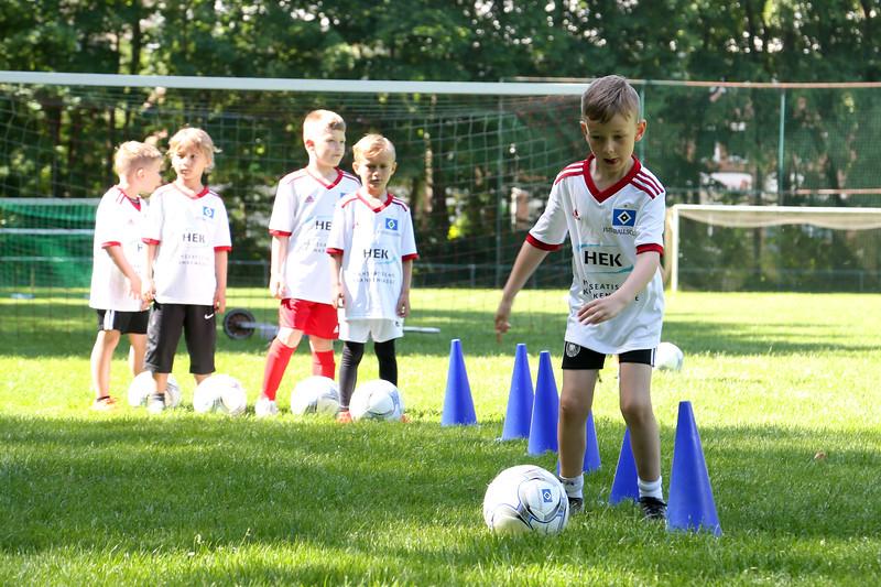 hsv_fussballschule-150_48047991338_o.jpg