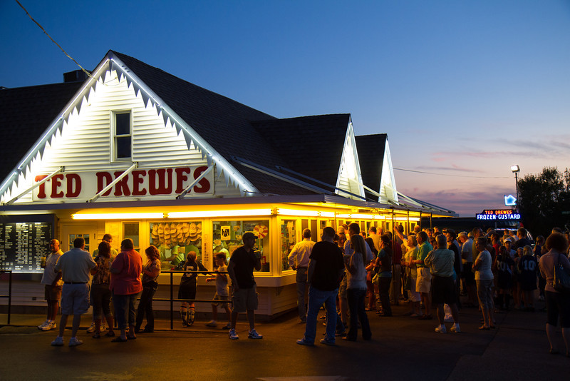 Lines at Ted Drewes