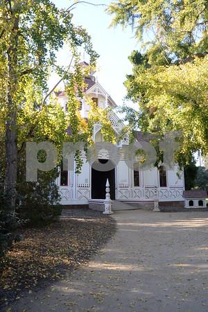 17 December 2017 Coach House at the L.A. Arboretum