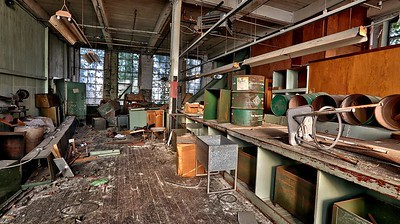 Abandoned Kiddie Kloes Children's Factory Outlet