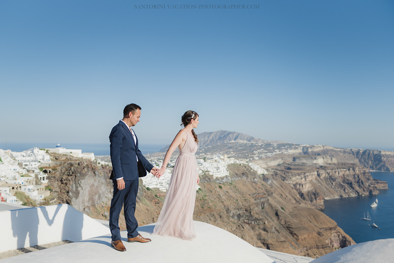 Santorini-post-wedding-photo-shoot-honeymoon-sessio-couples-session--6.jpg