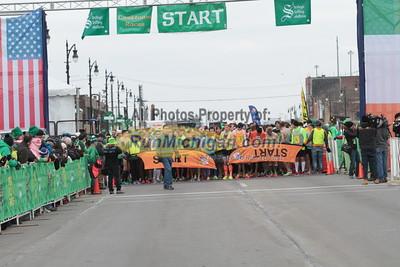 5K Start Wave 1 - 2015 St. Patrick's Parade Corktown Races