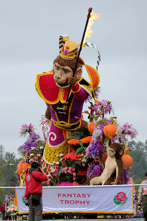 ". The BDK, A Singpoli Affiliate, ""The Monkey King: Journey to Success,\'\' float, winner of the Fantasy Trophy for most outstanding display of fantasy and imagination, rolls along the 128th Rose Parade in Pasadena, Calif., Monday, Jan. 2, 2017. (AP Photo/Michael Owen Baker)"