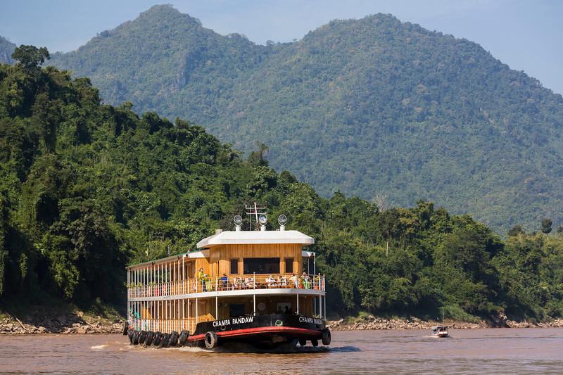 laos-to-china_38364174901_o.jpg
