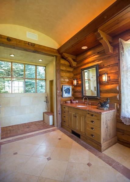 bathroom 3 (1 of 1)-2.jpg