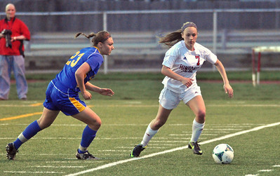 Lyons Township at Hinsdale Central girls soccer