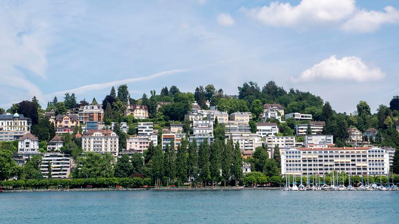 Switzerland-Boat-to-Lucerne07.jpg