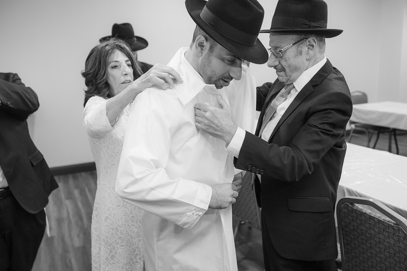 Miri_Chayim_Wedding_BW-511.jpg