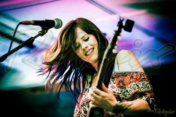 Girls with Guitars - Beaverwood