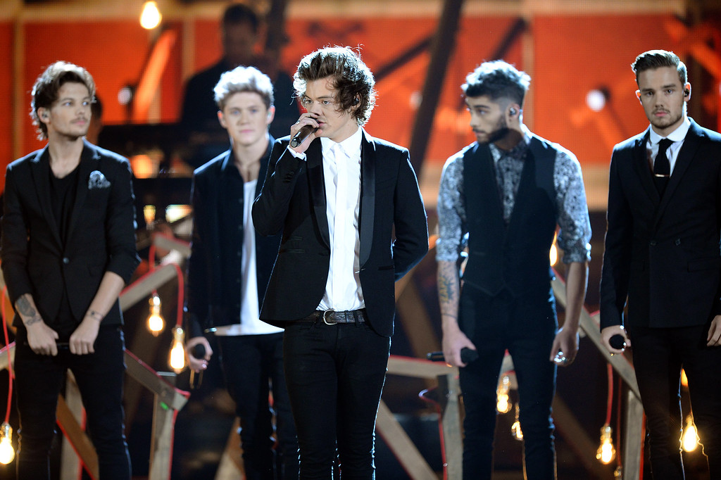 . One Direction performs during the American Music Awards show Sunday, November 24, 2013, in Los Angeles, CA.(Hans Gutknecht/Los Angeles Daily News)