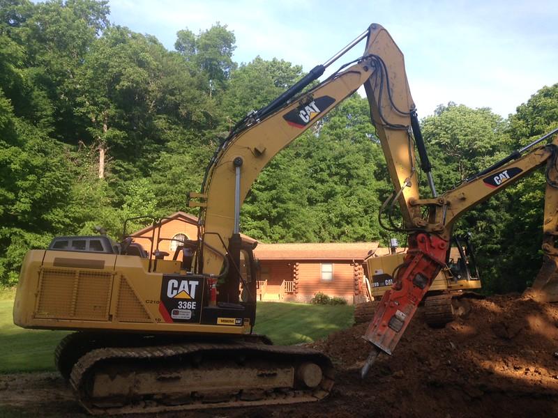 NPK GH15 hydraulic hammer on Cat 336EL excavator (4).JPG