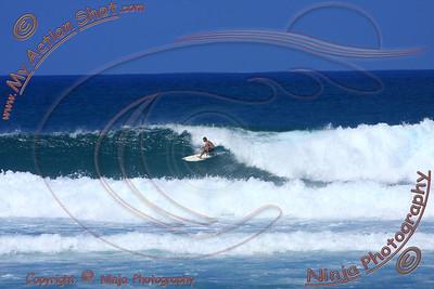 <font color=#F75D59>2010_12_08 (12-1pm) - Surfing Laniakea, NORTH SHORE</font>
