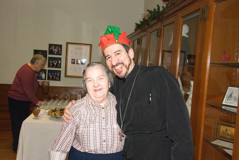 2016-12-14-Community-Christmas-Caroling_020.jpg