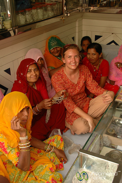 Audrey Hangs Out with the Ladies of the Family - Udaipur, India