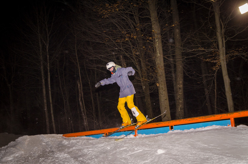 Nighttime-Rail-Jam_Snow-Trails-31.jpg