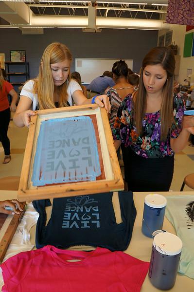 Lutheran-West-Art-Class-Silk-Screen-T-Shirts--September-2012--106.JPG