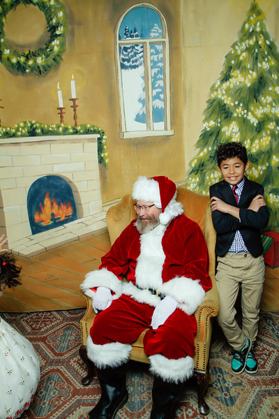Pictures with Santa at Gezellig-116.jpg