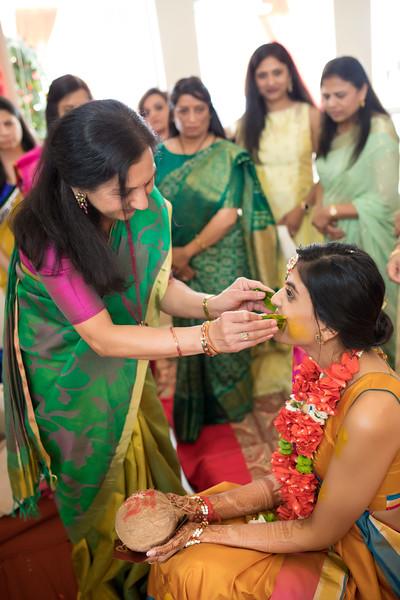 Hina_Pithi_Pooja-184.jpg