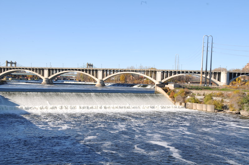 2014-10-25 Stone Arch Bridge 008.JPG