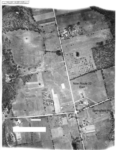 1923 Aerial of Union showing what is now the east bound Lane of Route 22 and Springfield Rd. On the bottom left of the image is the Blackbrook Park Pond in Kenilworth and the Shallcross House, one of the oldest houses still standing in Kenilworth.