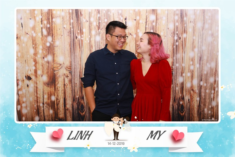 Linh-My-wedding-instant-print-photo-booth-in-Ha-Noi-Chup-anh-in-hnh-lay-ngay-Tiec-cuoi-tai-Ha-noi-WefieBox-photobooth-hanoi-102.jpg