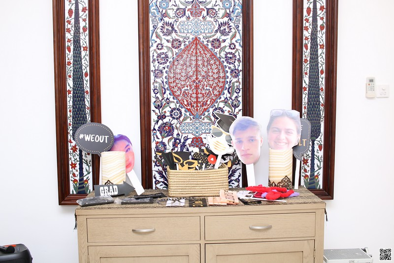 graduation-party-class-of-2021-instant-print-photo-booth-in-ho-chi-minh-Chup-hinh-in-anh-lay-lien-Tiec-Tot-Nghiep-2021-WefieBox-Photobooth-Vietnam-cho-thue-photo-booth-007.jpg