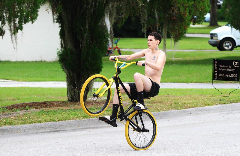 Wheelie-Man_8016-11-10-20.jpg