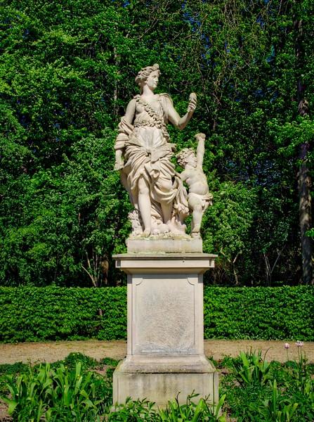 A statue in Tiergarten, Berlin
