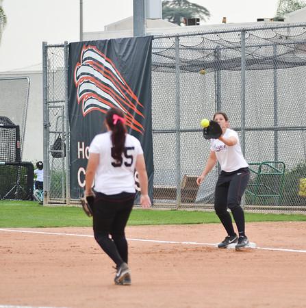 2014-02-18 Softball v Hawai'i Pacific