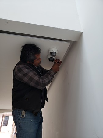 Doctors new house in Rosarito. Camera installs.