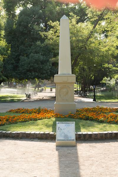 MONUMENTO ESCRITORES-2.jpg