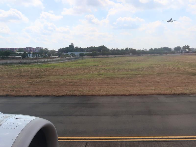 IMG_3059-waiting-to-take-off.jpg