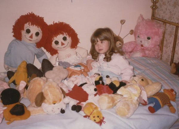 Andi_and_Friends_in_her_new_bed_3rd_Birthday_83.jpg