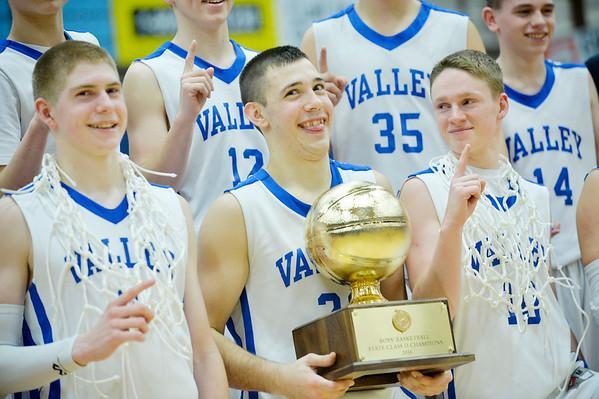 Easton boys vs Valley