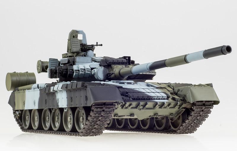 Trumpeter T-80BV 04-16-14-3.jpg