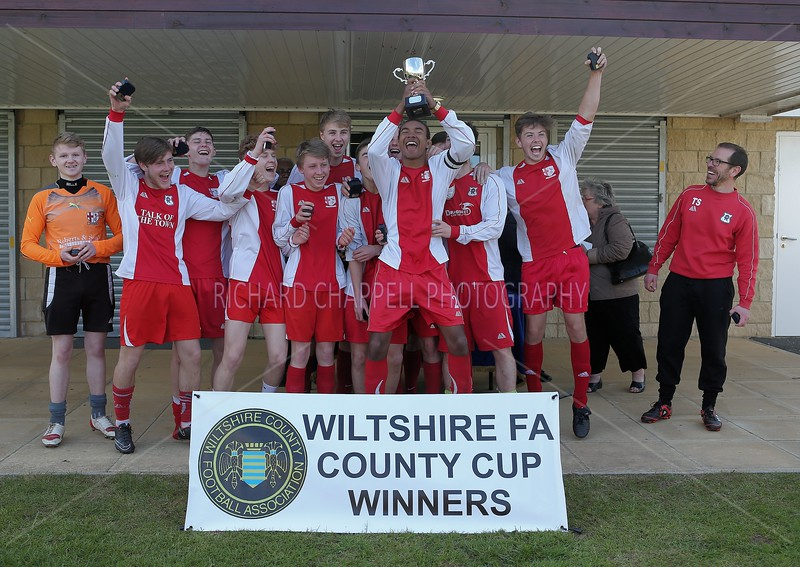 ROBINS V NEW COLLEGE SWINDON YOUTH CUP FINALS 26th April 2015