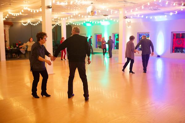 Dance on main