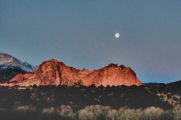 Moonset and Sunrise on Garden of the Gods