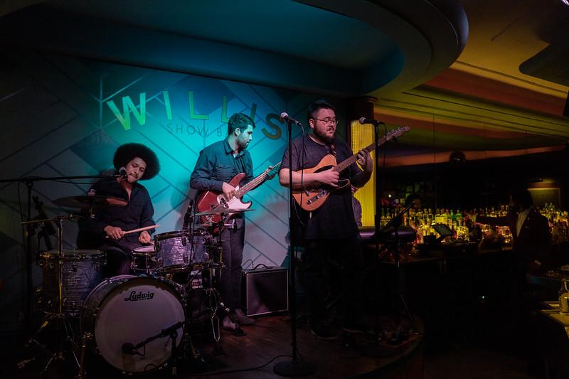2019 Nov 27 - Willis Show Bar