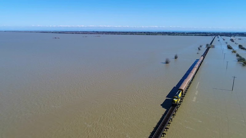 Sierra-Railroad-Crossing-Flooded-Yolo-Bypass-720pFB.mp4