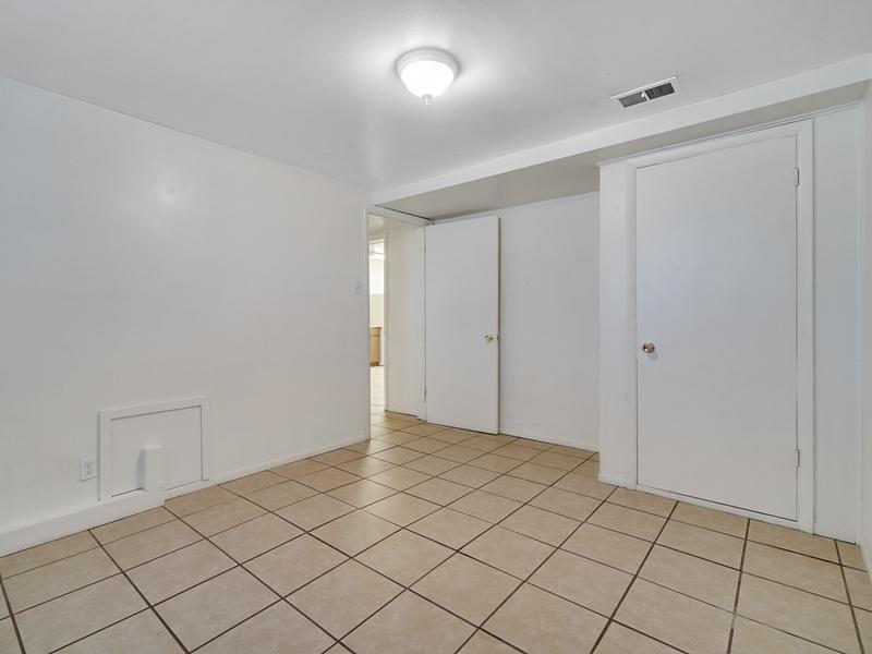 1403 Glenwood Ave Unit 3 - MLS - 09.jpg