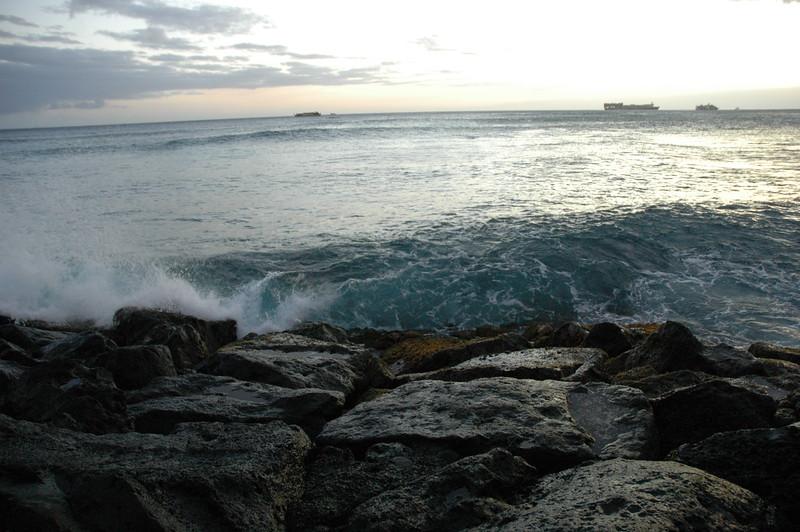 Hawaii - Ala Moana Beach Sunset-124.JPG