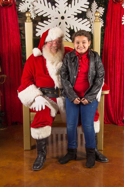 Santa 12-16-17-270.jpg