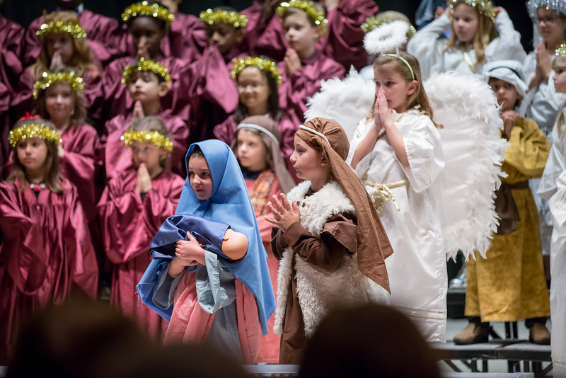 1st grade Christmas program (9 of 49).jpg
