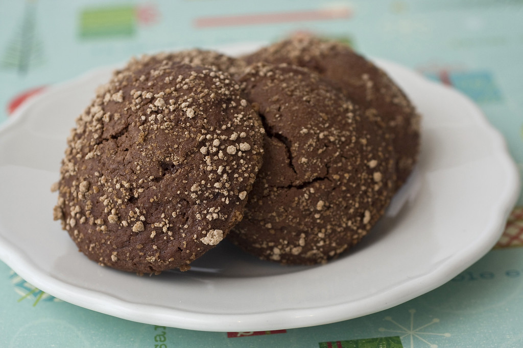 ". Reminiscent of chocolate-covered malt balls these chocolate malt crinkles will be a hit this holiday season. <a href=""http://www.dailyfreeman.com/general-news/20091209/day-9-chocolate-milk-crinkles\"">Get the recipe for chocolate malt crinkles</a>. (AP Photo/Larry Crowe)"