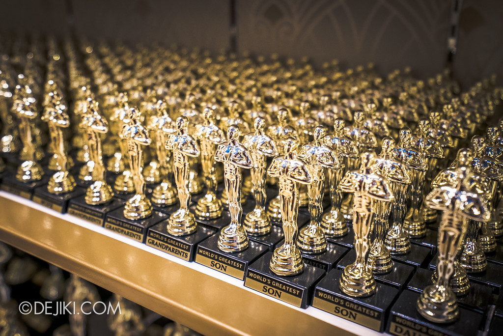 Universal Studios Singapore - Silver Screen Store - Oscar Trophy Collections