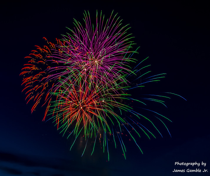 Fourth-of-July-Fireworks-2016-0291.jpg