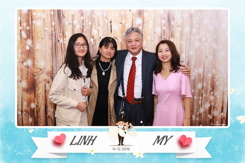 Linh-My-wedding-instant-print-photo-booth-in-Ha-Noi-Chup-anh-in-hnh-lay-ngay-Tiec-cuoi-tai-Ha-noi-WefieBox-photobooth-hanoi-130.jpg